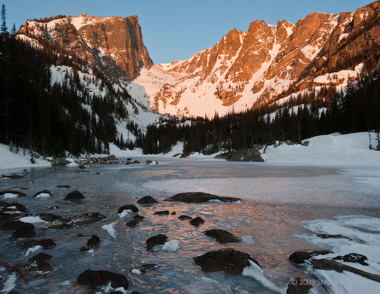 hallett_peak_from_dream_lake_l.jpg